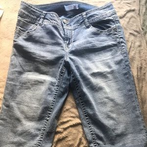 No Boundaries Size 13 Long Jean Shorts